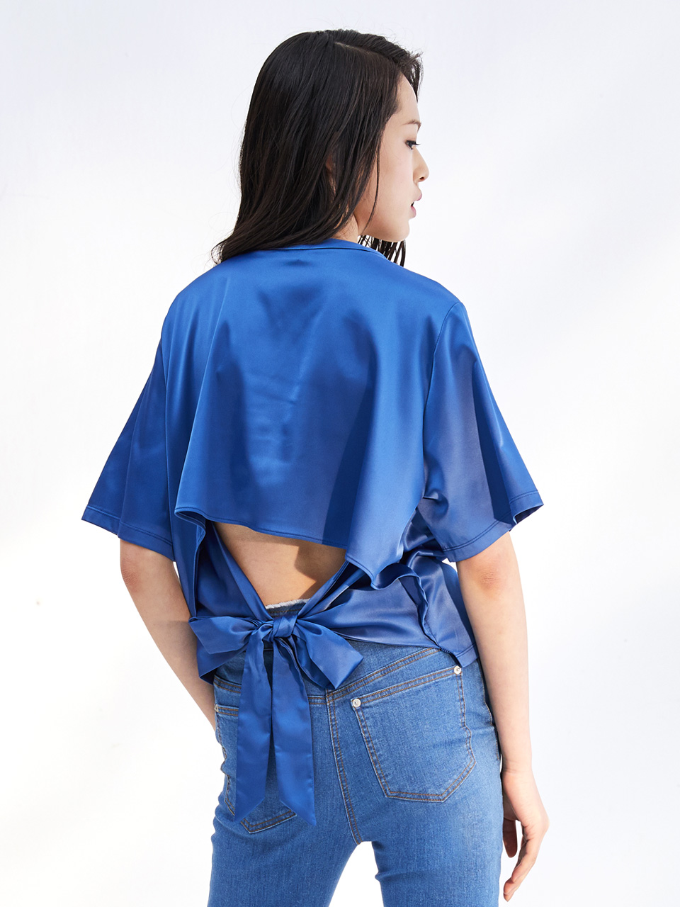17SS BACK POEN SATIN TOP_BLUE