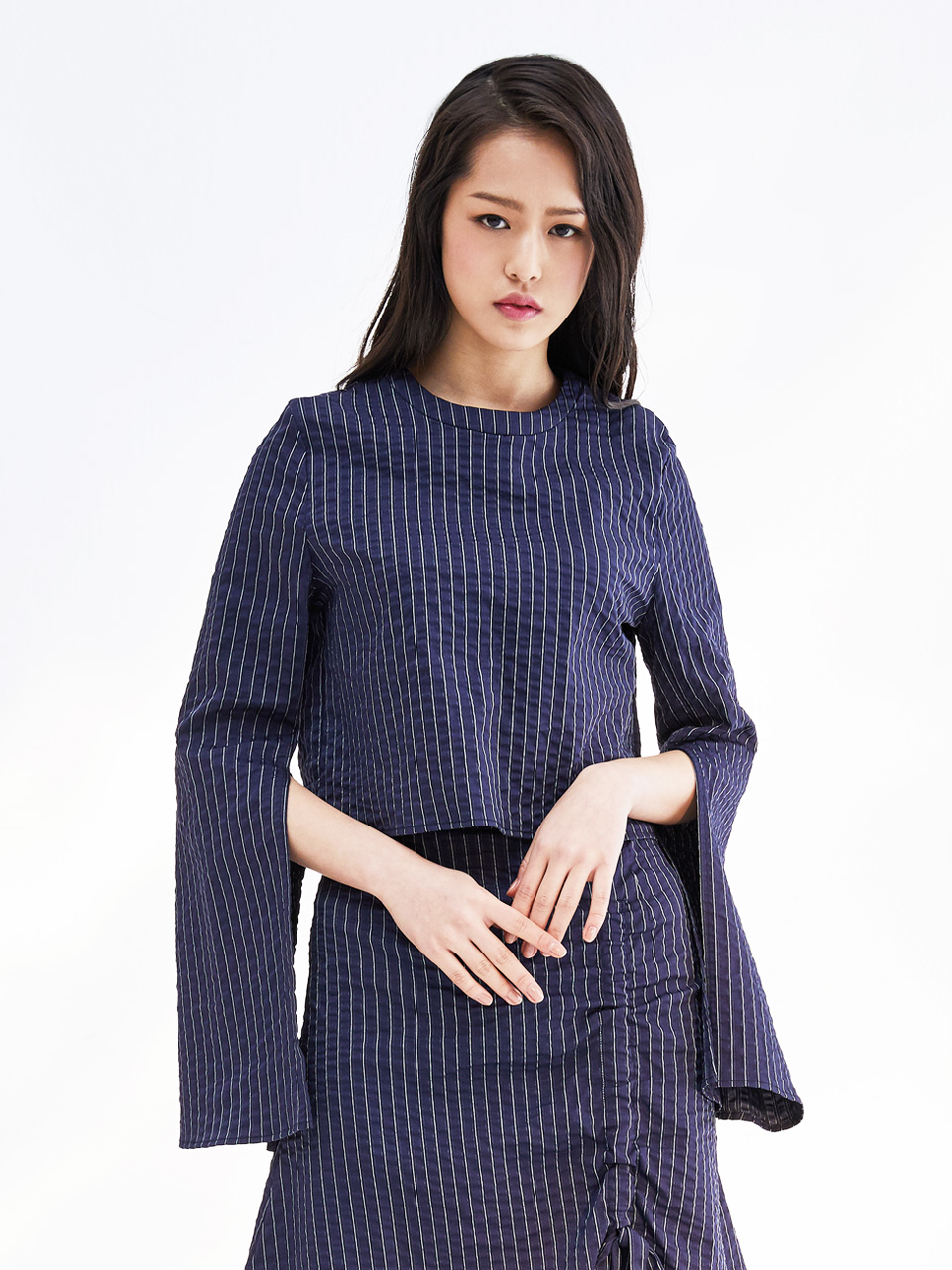 17SS SEERSUCKER CROPPED TOP_NAVY